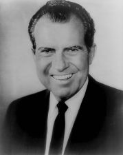 476px-Richard_Nixon,_official_bw_photo,_head_and_shoulders